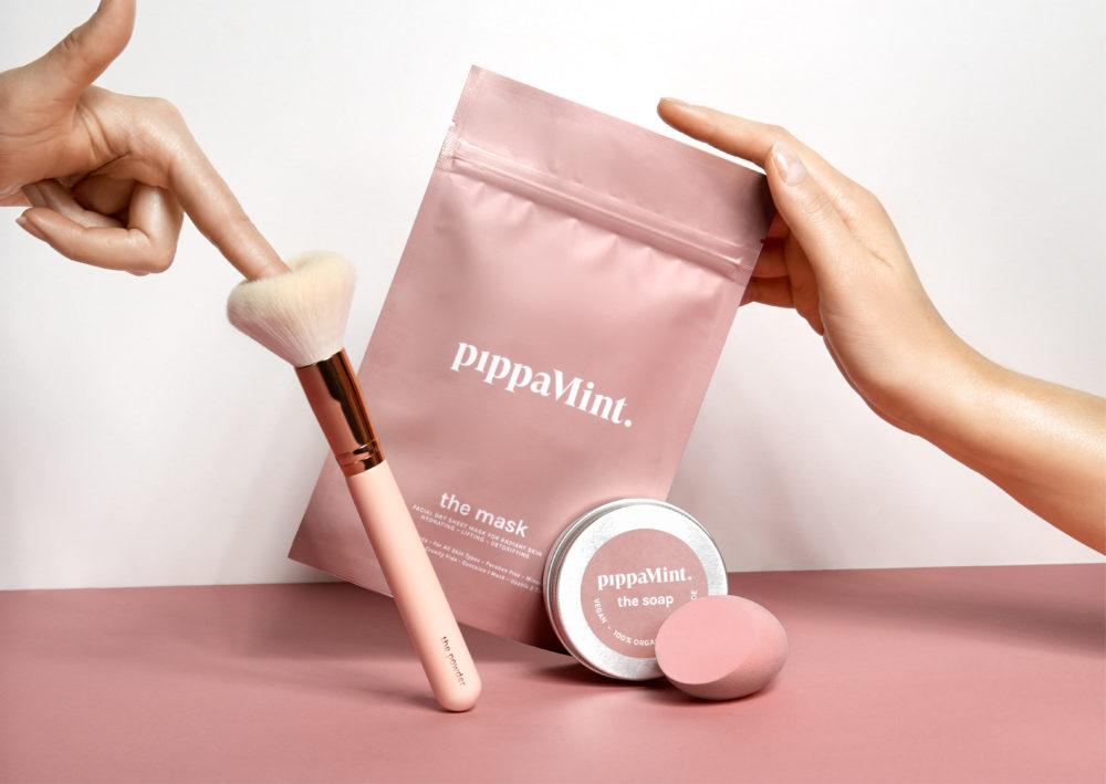 <p>PIPPA<br /> MINT</p>