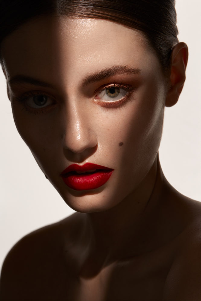 <p>RED<br /> LIPS</p>
